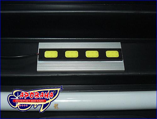 Осветительный модуль можно легко прикрепить к аквариумной крышке, тем самым увеличить освещение в аквариуме.