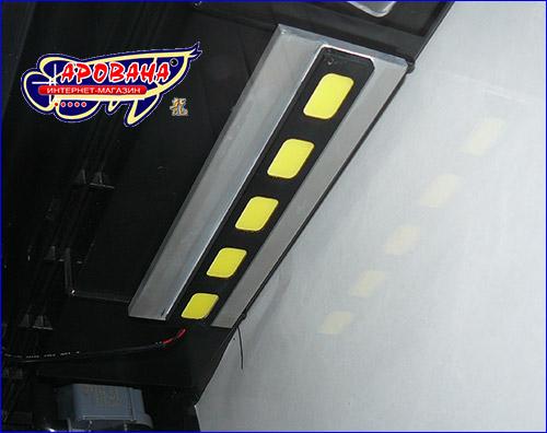 Осветительный модуль в аквариуме.